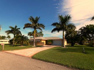 Applebee - Cape Coral vacation rentals