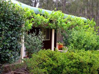 Misty Glen Cottage Hunter Valley Wine Country - Pokolbin vacation rentals