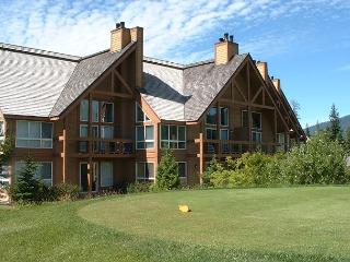 Upgraded 2 bedroom, 2 bath unit on Chateau Whistler golf course, dog friendly - Whistler vacation rentals