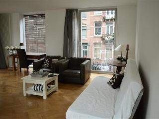 Amsterdam Dappermarket Apartment - Amsterdam vacation rentals