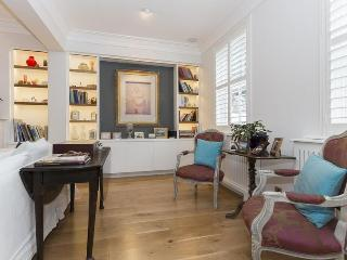 Peel Street III - London vacation rentals