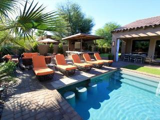 'Royale' Mini Golf, Game Room, Pool, Spa, Firepit - La Quinta vacation rentals