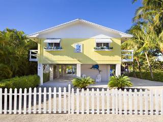 Villa Marlin, Renovated, Remodeled , Sandy Beach - Islamorada vacation rentals