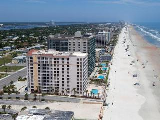 Daytona Beach 3Bd 3Ba Dir Oceanfront Condo - Daytona Beach vacation rentals
