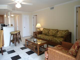 Lovely 2bedroom condo with ocean view on the beach - Grand Bahama vacation rentals