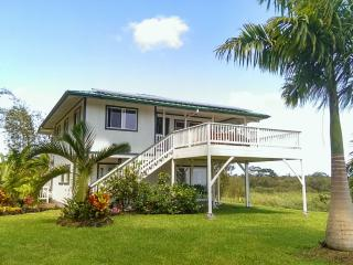 Charming off-grid house with ocean view - Pahoa vacation rentals