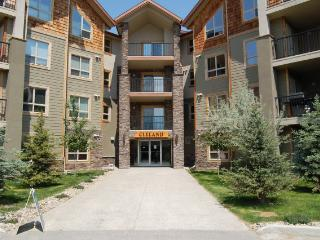 IW2317 - Invermere Lakefront Condos - Windermere Pointe-Cleland BLDG - Panorama vacation rentals
