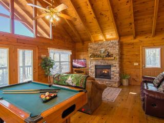 2 Mstr Suites-Hot Tub/1.5 Miles to DWood/Great View/ $150 Night Includes Tax - Pigeon Forge vacation rentals