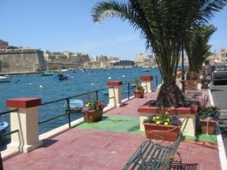 2/3 bedroom traditional Maltese house in Kalkara - Kalkara vacation rentals