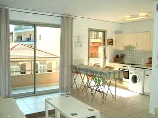 1 block from the beach, convenient for everything - Antibes vacation rentals