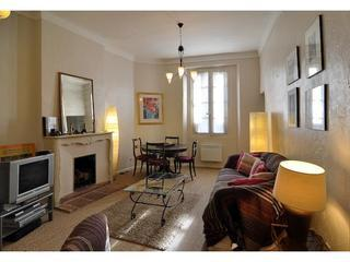 2 Bedrooms with terrace - in the Heart of Antibes - Cote d'Azur- French Riviera vacation rentals