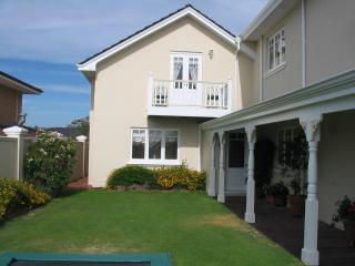 Luxury one bedroom house with pool close to beach - Western Australia vacation rentals