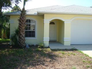Beautiful Pet-Friendly Beach House-2 Mins to Beach - New Smyrna Beach vacation rentals