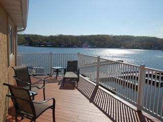 20% OFF Boat Rent @ NorthShore-Sleeps 20 - Lake Ozark vacation rentals