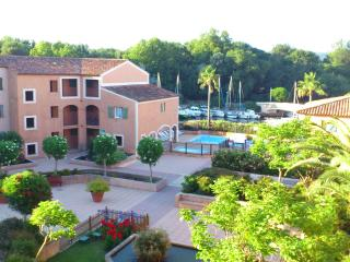 Excellent 2 bedroom apartment with swimming pool. - Var vacation rentals