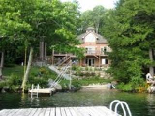 Beautiful Waterfront Vacation Home on Lake Winnipesaukee (MAC20W) - Meredith vacation rentals