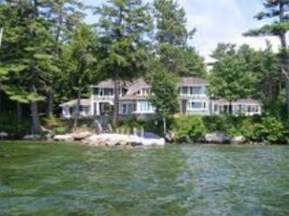 Beautiful Waterfront Vacation Luxury Home on Lake Winnipesaukee (LOK11Wf) - Meredith vacation rentals