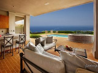 Blue Hawaii is a lovely home with a private pool and spa/online discount - Kailua-Kona vacation rentals