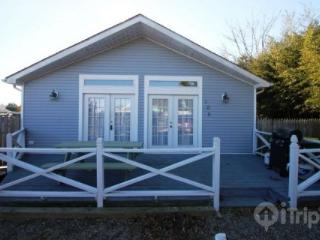 Charming and Affordable Cottage, 1 Block to the Ocean - Bethany Beach vacation rentals