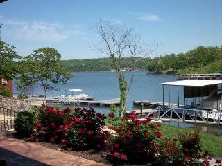 20% OFF Boat Rentals@ Luxury Log Cabin LakeFront - Lake Ozark vacation rentals