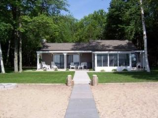 Relax in Comfort on Beautiful Big Platte Lake - Frankfort vacation rentals