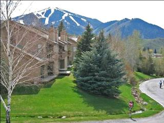 At the Dollar Mountain Base - Shuttle Service to Baldy, Ketchum (1042) - Sun Valley vacation rentals
