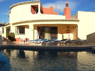 Casa Serena, 4bedroom villa with pool, Carvoeiro. - Carvoeiro vacation rentals