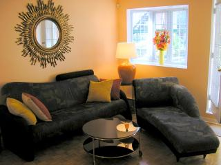 Gorgeous 1 Bedrm w/Patio Parking Downtown Montreal - Montreal vacation rentals