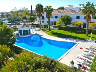 Hora White Apartment - Portugal vacation rentals