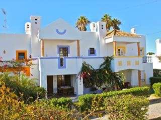 Salsa Red Apartment - Portugal vacation rentals