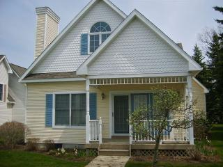 Manistee Cottage Steps from Lake Michigan - Northwest Michigan vacation rentals