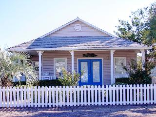 Periwinkle Cottage - Book Online! Four Blocks from Beach! Low Rates! Buy 3 Nights or More Get One FREE! - Destin vacation rentals