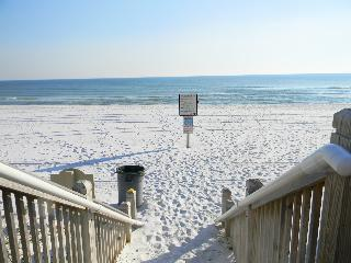 Waterscape 422A - Book Online!  Low Rates! Buy 3 Nights or More Get One FREE! - Destin vacation rentals