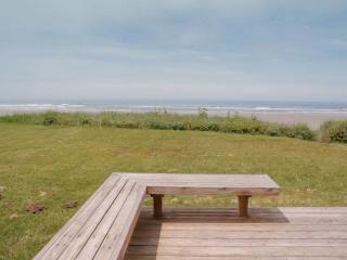 Ocean Front Home with Direct Beach Access Sleeps 6 - Yachats vacation rentals