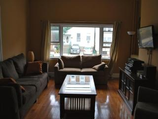 20 Min To Nyc Accross The Hudson River - Greater New York Area vacation rentals