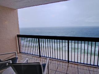 SunDestin 1703 - Book Online! Gulf Front in heart of Destin! Low Rates! Buy 3 Nights or More Get One FREE! - Destin vacation rentals