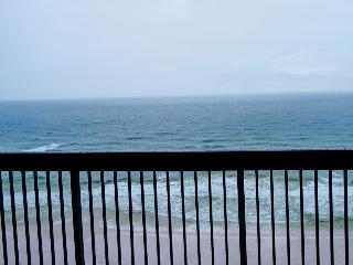 SunDestin 1110 - Book Online! Gulf Front in the heart of Destin! Buy 3 Nights, get 1 Free! Book Now!! - Destin vacation rentals