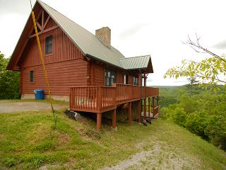 Grand 3BR Cabin w/ Incredible Lake Views, Private Hot Tub, & Free WiFi - New Tazewell vacation rentals
