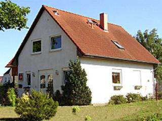 Vacation Home in Elmenhorst (Nordvorpommern) - 1572 sqft, spacious, comfortable, central (# 3582) - Mecklenburg-West Pomerania vacation rentals