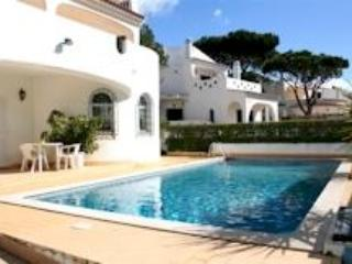 Semi-luxury 4bdr villa nearby 2 golf camps,free AC - Lagos vacation rentals
