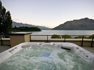 The Waterfront Penthouse - Queenstown vacation rentals