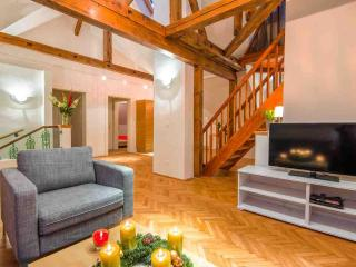CasaNeve - Apartment Valentina - Austrian Skiing - Bad Gastein vacation rentals