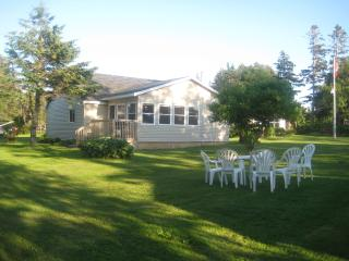 Lee's Cottage- family run for 45 yrs/walk to beach - Stanhope vacation rentals