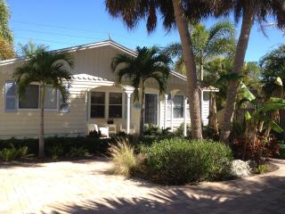 Siesta Sandals  Close to Village and to the Beach! - Siesta Key vacation rentals
