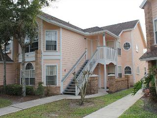 Within 3 miles of Disney World, with pool, hot tub, gym, sauna, free Wi-Fi - Kissimmee vacation rentals