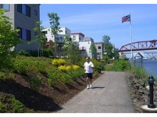 RUNNING, WALKING PATH OUTSIDE THE CONDO - Waterfront.pearl Homeaway From Home - Portland - rentals