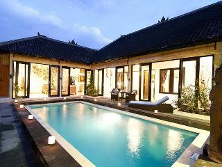 LEGIAN / SEMINYAK - 2 or 4 bedroom villas - TARA - Kuta vacation rentals