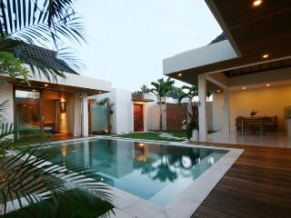 Heart of Seminyak,5min walk Beach&3min Supermarket - Seminyak vacation rentals