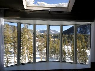Luxury 4 Bdrm Modern Unit, Views from Every Room - Keystone vacation rentals