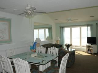 Dir. Ocean Front 3 bedroom (walk to Main St) - North Myrtle Beach vacation rentals